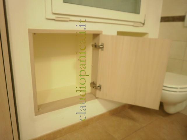 mobile bagno con portabiancheria da lavatrice