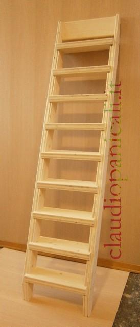 Scala su misura in legno per soppalco in legno e ferro for Coprigradini per scale in legno ikea